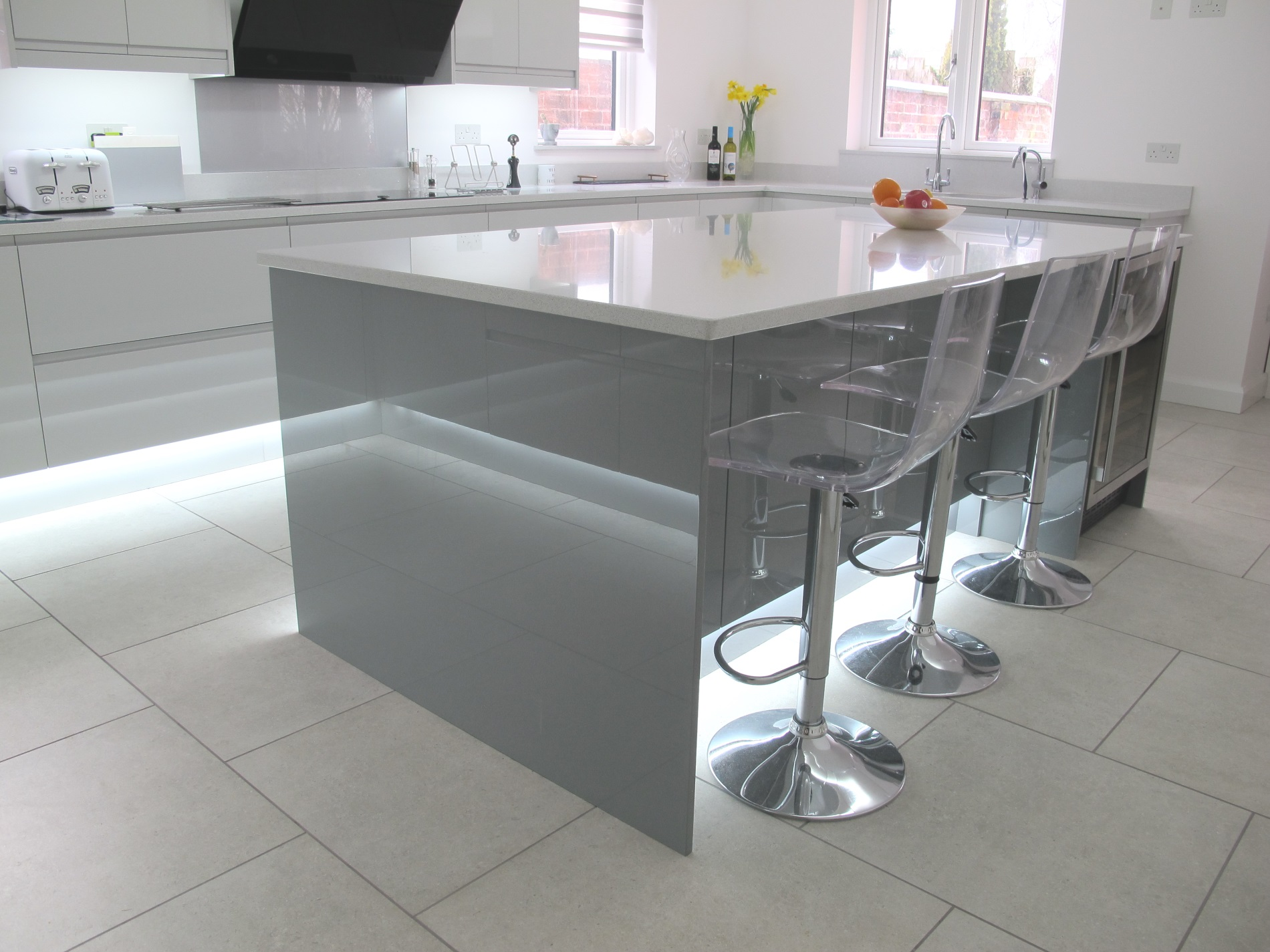 Strada Gloss Light And Dust Grey New England Kitchens